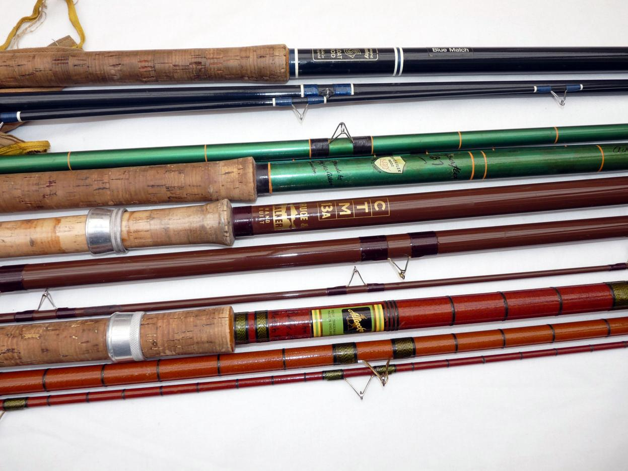 Mullock 39 s auctions rods 5 five classic hollow glass for Glass fishing rods