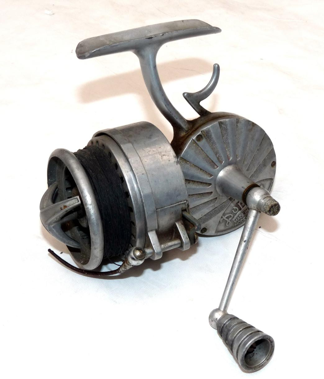Mullock 39 s auctions reel rare french duperr alloy for Antique fishing reels price guide