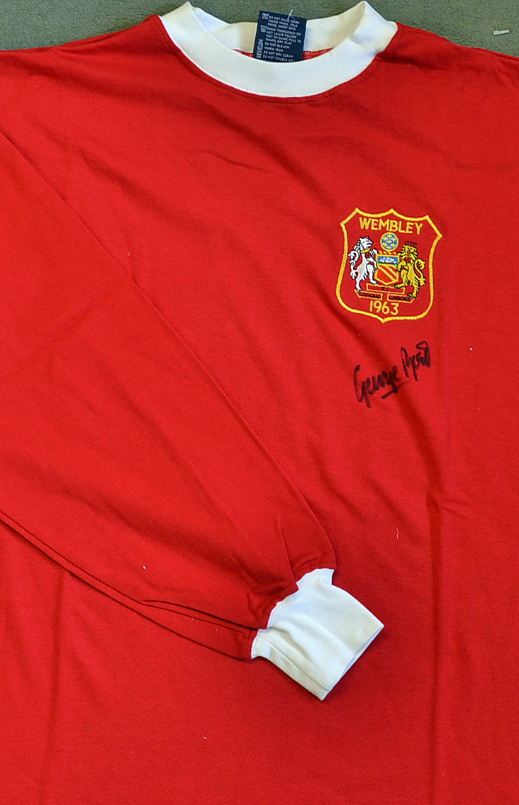 cheap for discount 3c065 b1104 Mullock's Auctions - George Best Signed 1963 Manchester ...
